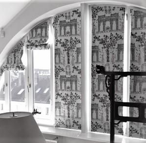 Quadro Faltrollos auf Rundbogen-Fensterrahmen